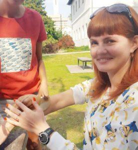 фото с улиткой на руке