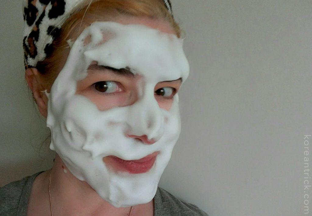 пена на лице