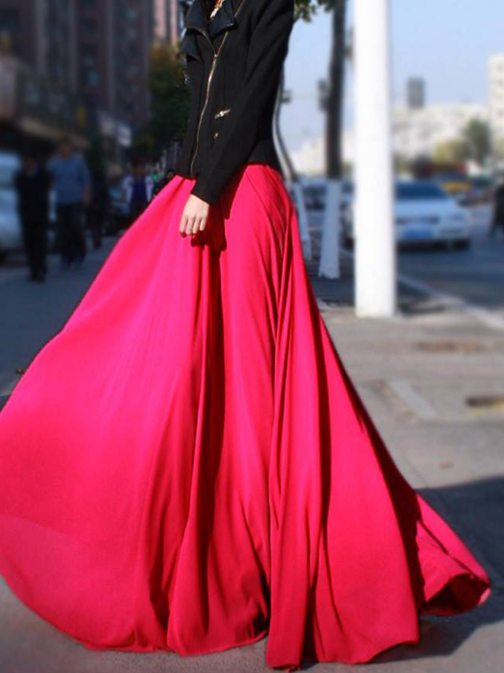 Невеста в красном платье с красной помадой