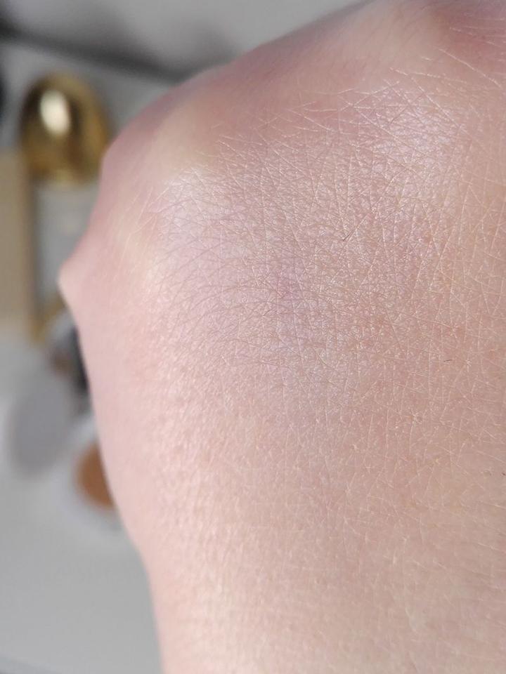 кушон на коже